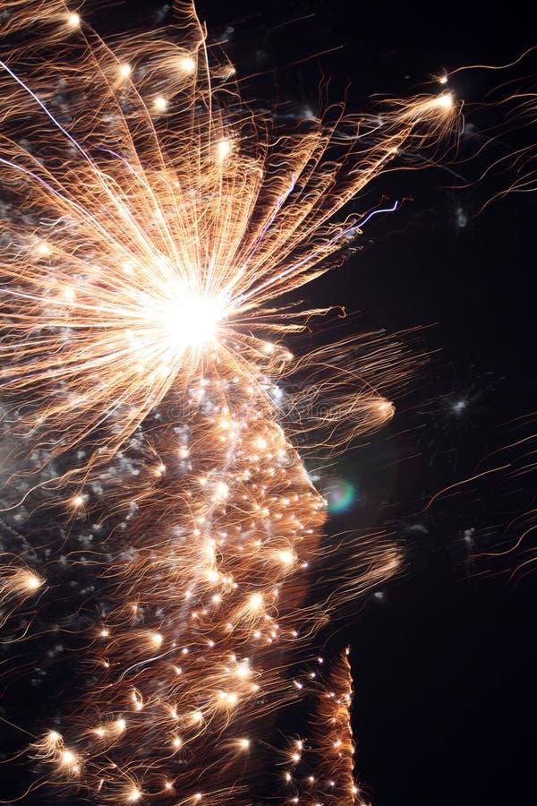 Primer de los fuegos artificiales imagenes de archivo