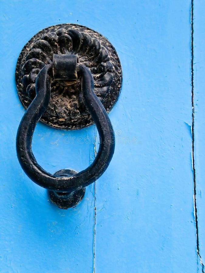 Primer de puertas tradicionales en Túnez imagen de archivo