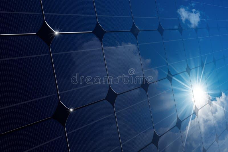 Primer de un panel solar con los rayos de Sun imagenes de archivo