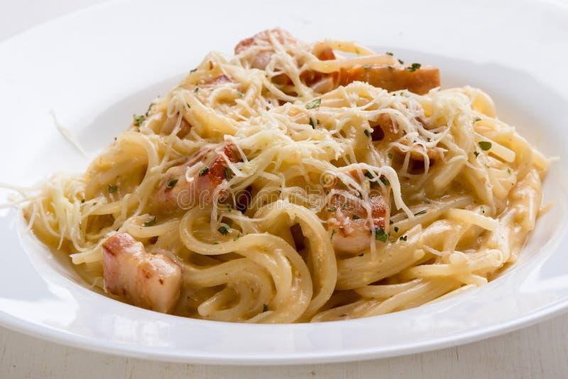 Primer del carbonara de los espaguetis fotografía de archivo