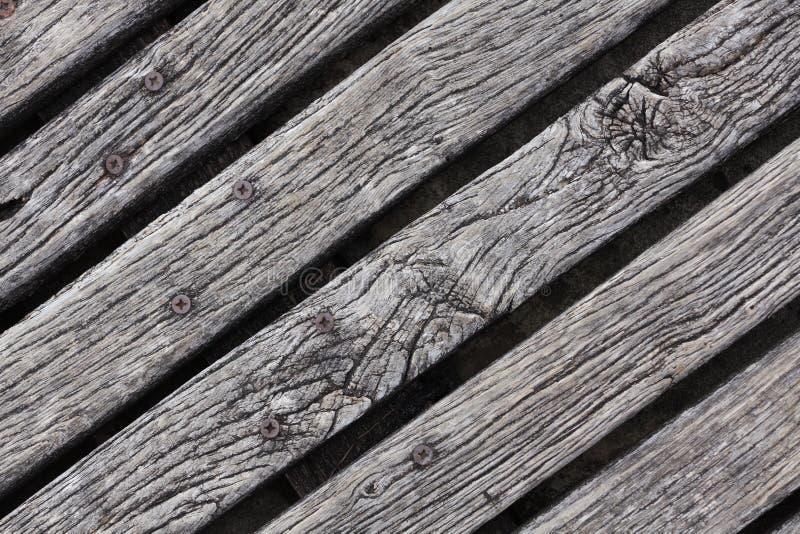 Primer del decking resistido áspero de la madera dura imagenes de archivo
