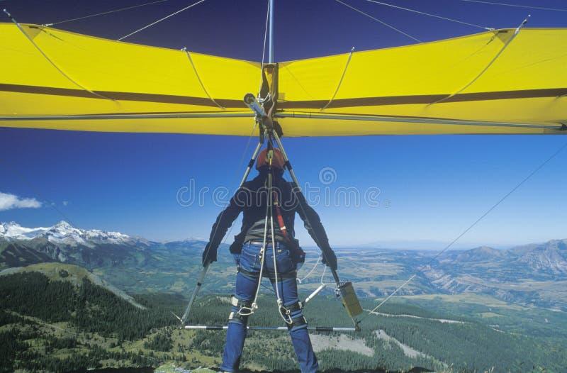 Primer del lanzamiento del planeador de caída del acantilado imagenes de archivo