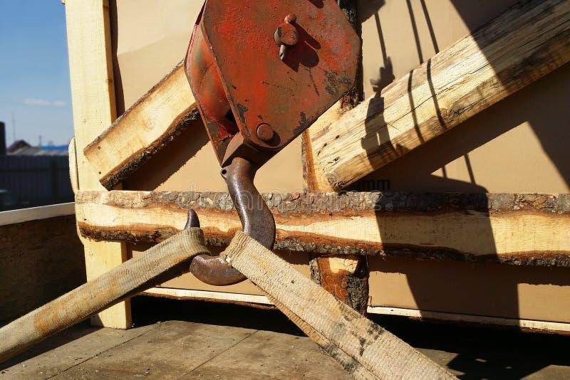 Primer del manipulante del camión del gancho en el primero plano imagen de archivo