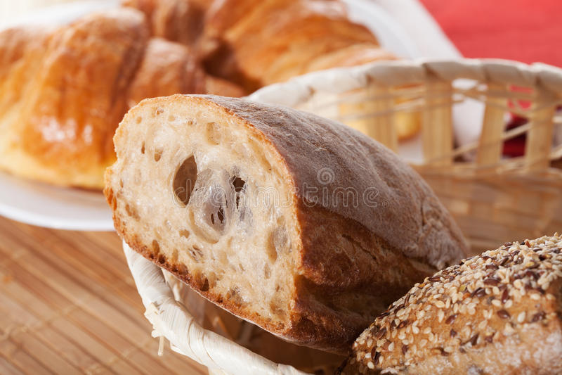 Primer del pan del trigo integral foto de archivo