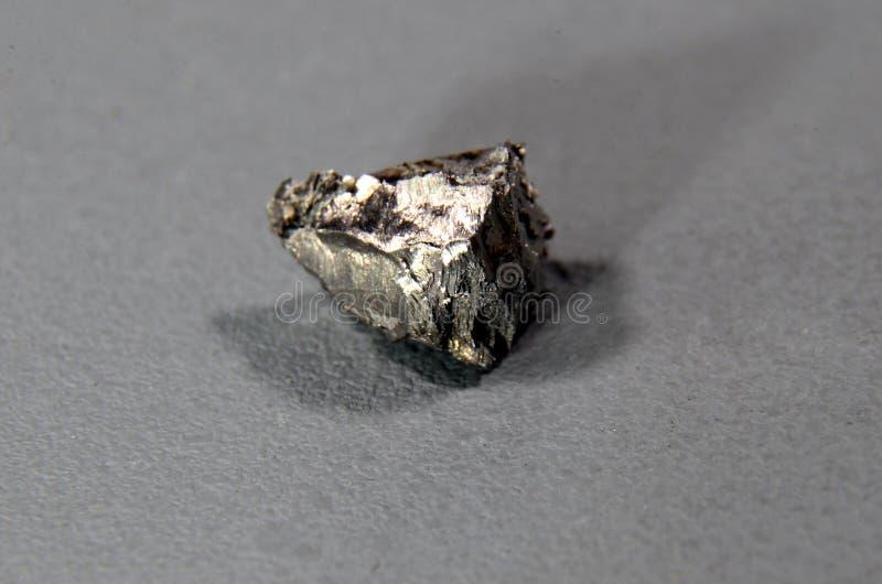 Primer en un pedazo del gadolinio del elemento imagen de archivo