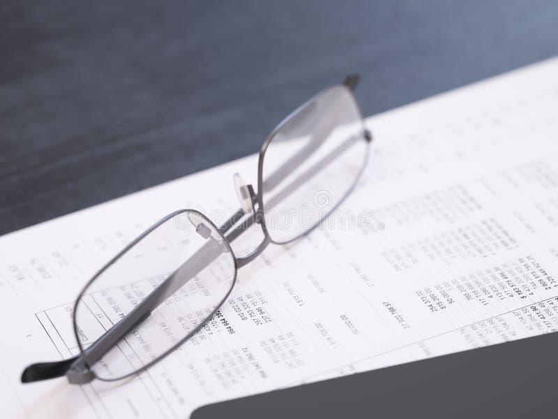 Primer financiero del informe del negocio imagenes de archivo