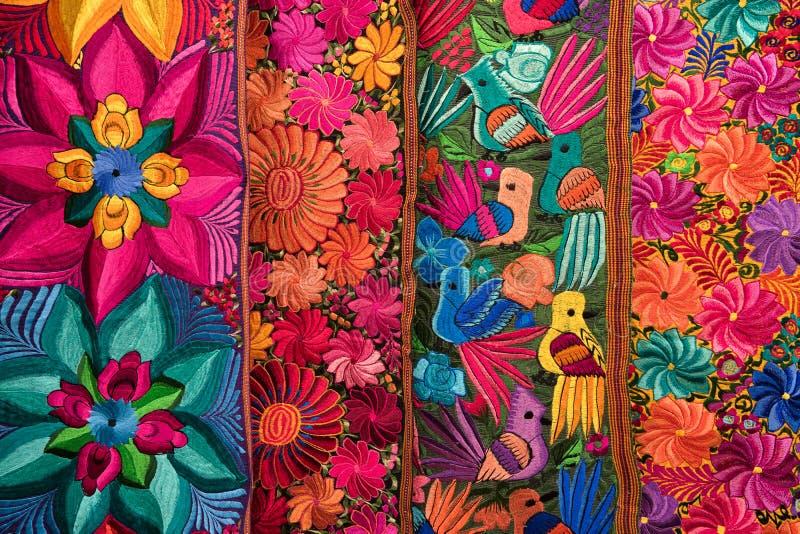 Primer indígena colorido de las materias textiles foto de archivo