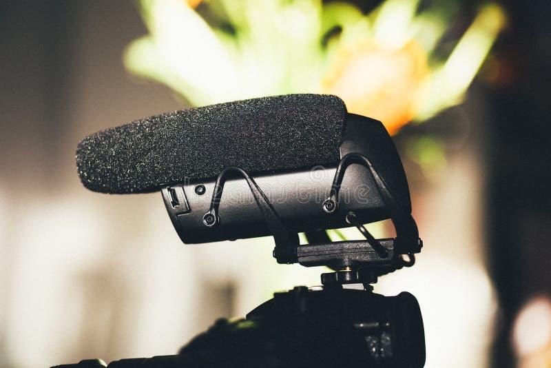 Primer macro del nuevo supercardioid altamente direccional del micrófono fotos de archivo libres de regalías