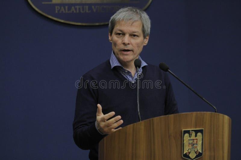 Primer ministro rumano rueda de prensa de Dacian Ciolos fotos de archivo