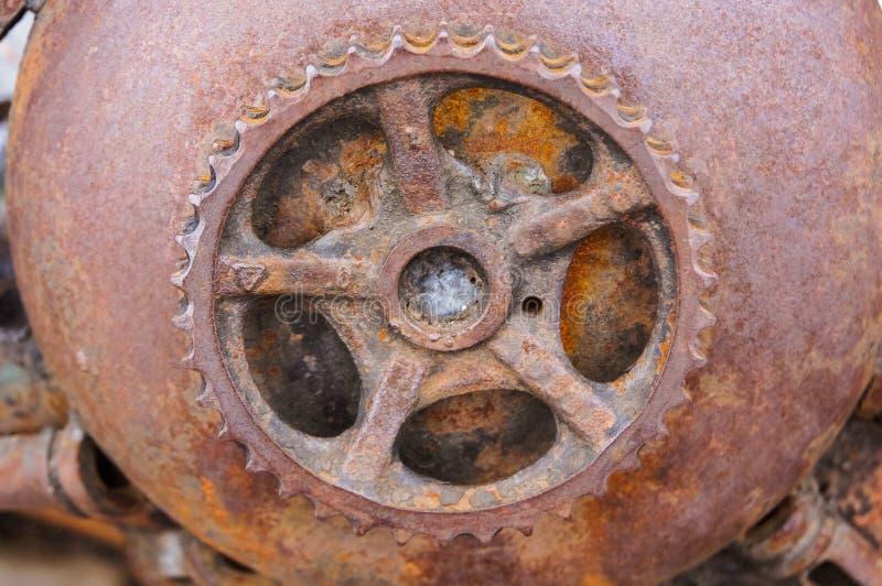 primer oxidado del engranaje, mecanismo antiguo oxidado imagen de archivo