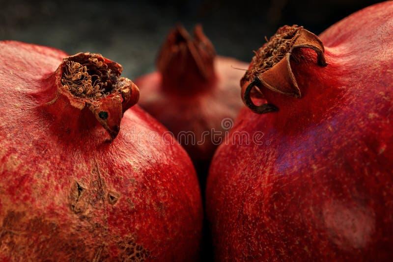 Primer rojo maduro de tres granadas foto de archivo libre de regalías