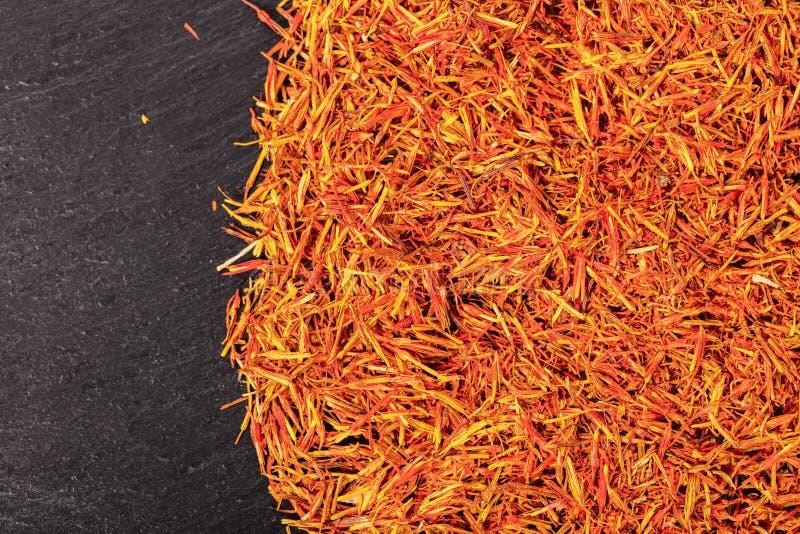 Primer seco del azafrán de la especia foto de archivo