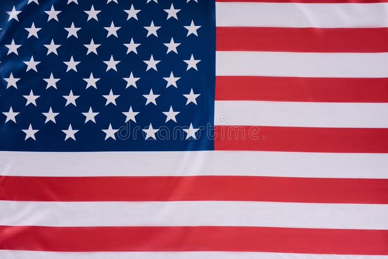 primer tirado de la bandera de Estados Unidos, independencia imagen de archivo