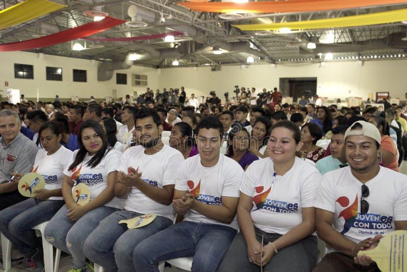 Primera entrega de capital semilla a iniciativas de emprendiemiento juvenil foto de stock royalty free