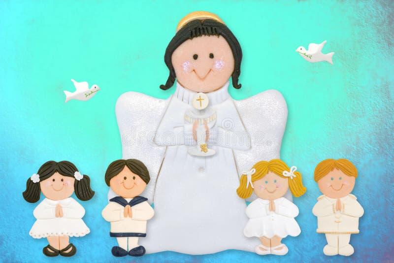 Primera tarjeta alegre de la comunión, ángel con los niños ilustración del vector