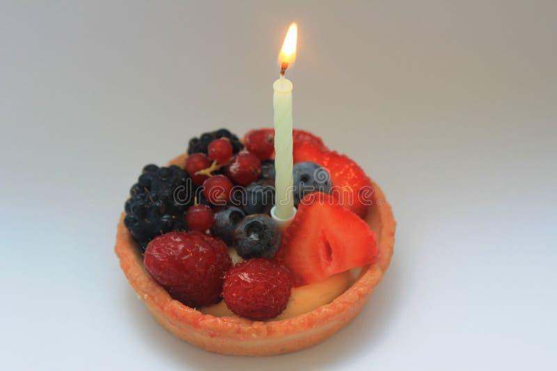Primera torta de cumpleaños feliz fotos de archivo libres de regalías
