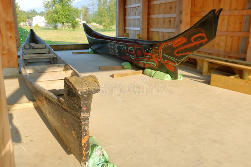 Primeras canoas de Salish de la costa de las naciones de Skway fotografía de archivo libre de regalías