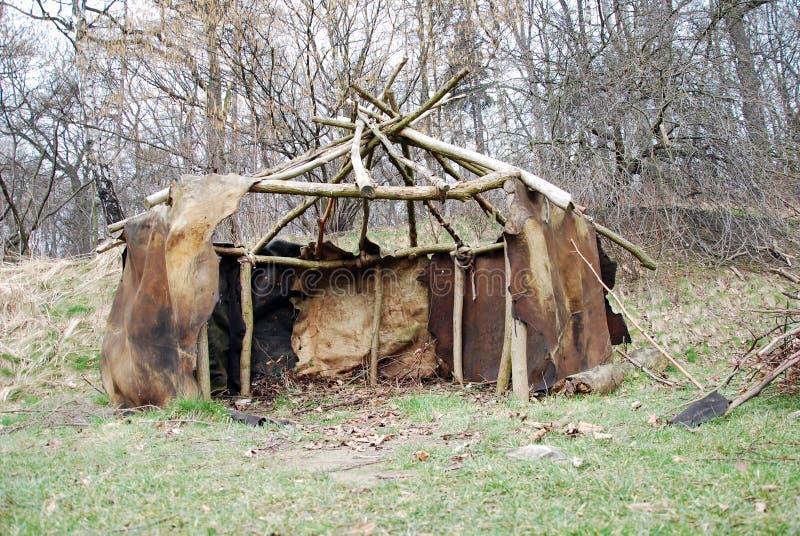 Download Primitif image stock. Image du loge, secousse, yurt, préhistorique - 8671321