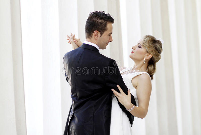 Primo ballo di cerimonia nuziale fotografie stock libere da diritti