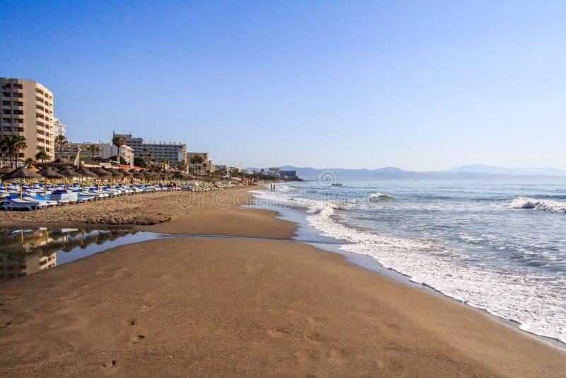 Primo mattino alla spiaggia fotografie stock