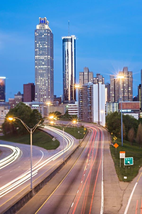 Primo mattino dell'orizzonte della città di Atlanta Georgia con effetto di inclinazione fotografie stock