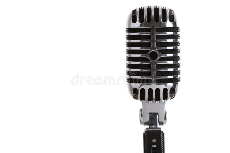 Primo piano antiquato d'argento del microfono della fase immagini stock libere da diritti