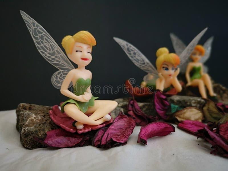 Primo piano con i fatati miniatura Tinkerbell di Disney fotografie stock libere da diritti