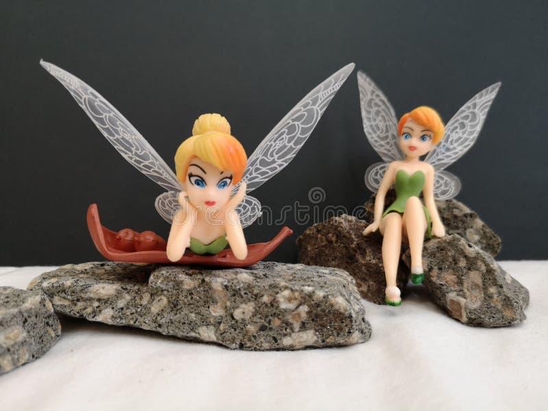 Primo piano con i fatati miniatura Tinkerbell di Disney immagini stock