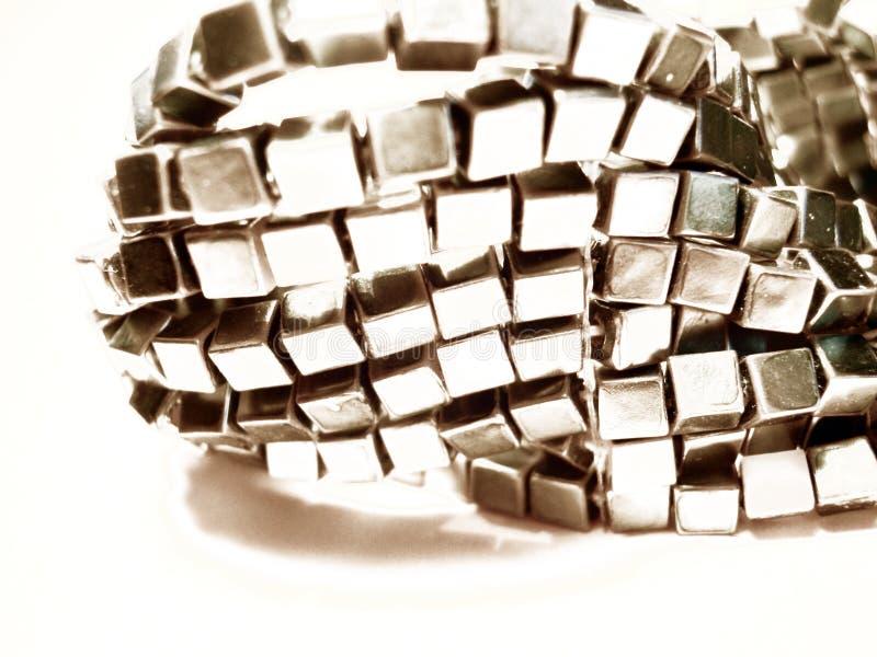 Primo piano d'argento del braccialetto immagini stock libere da diritti