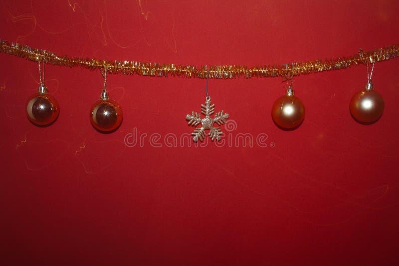 Primo piano decorato, Chiristmas e buon anno dell'albero di Natale fotografia stock libera da diritti
