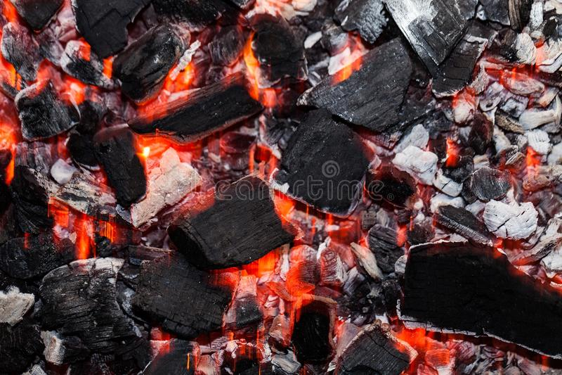 Primo piano dei carboni caldi immagine stock libera da diritti