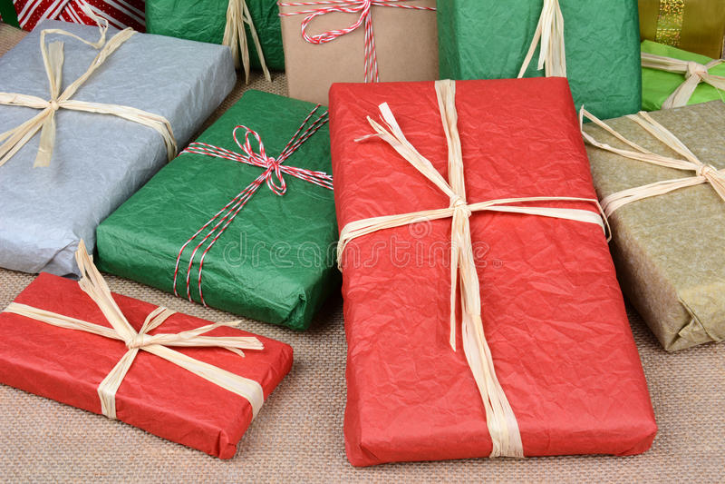 Primo piano dei regali di Natale immagine stock libera da diritti
