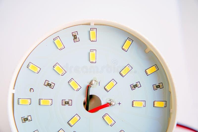 Primo piano del LED su un circuito stampato fotografie stock