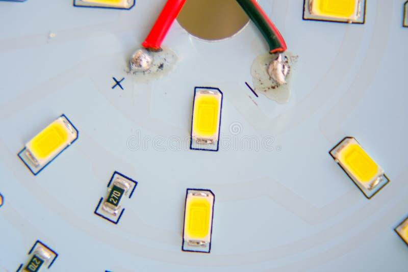 Primo piano del LED su un circuito stampato immagine stock libera da diritti