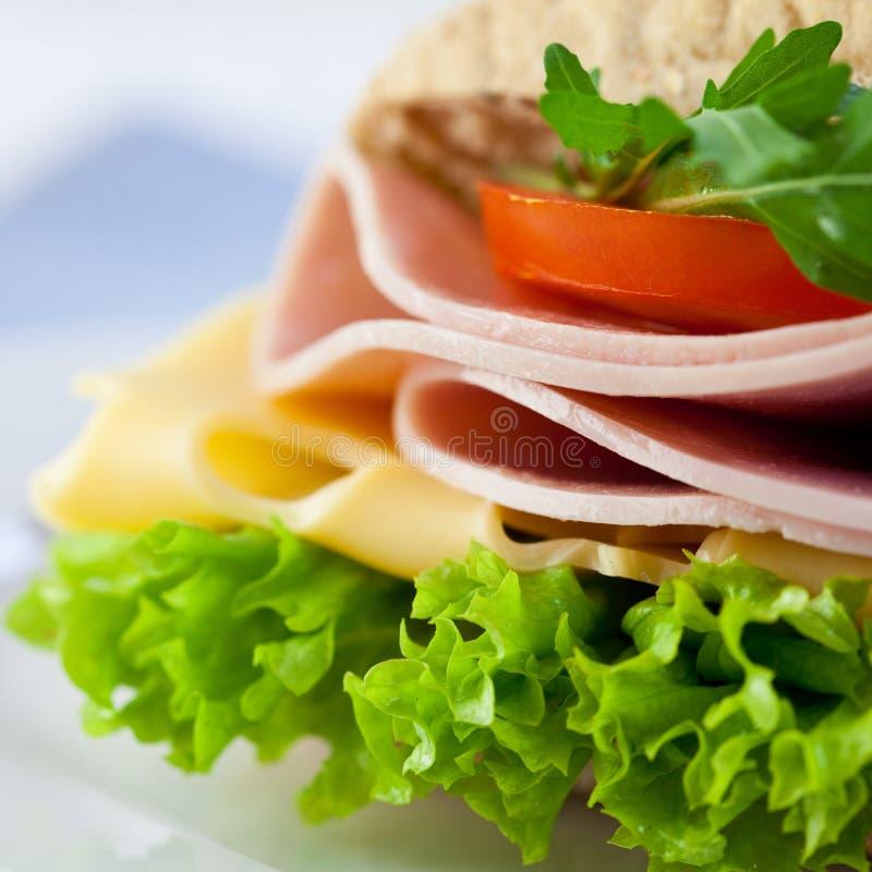Primo piano del panino squisito fotografie stock