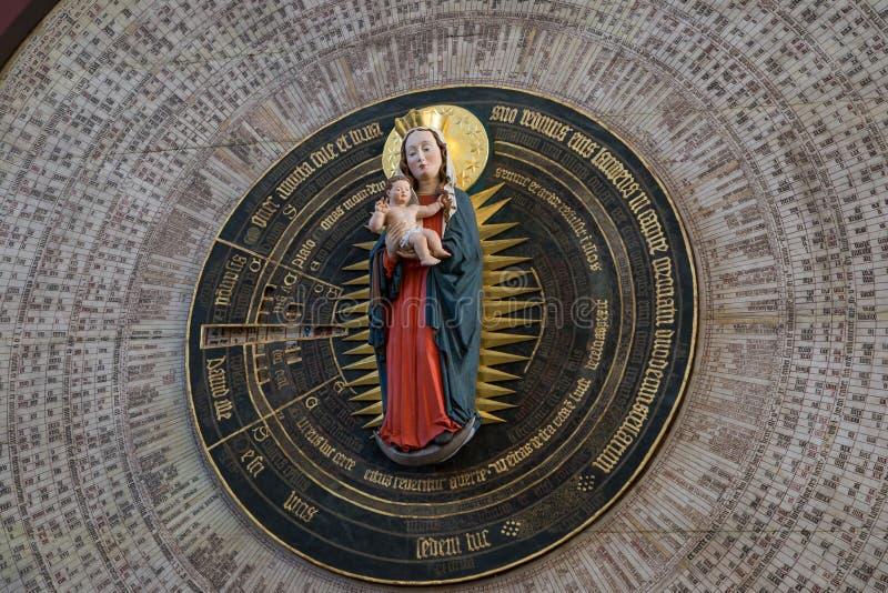 Primo piano dell'orologio astronomico di Danzica a Danzica immagine stock libera da diritti