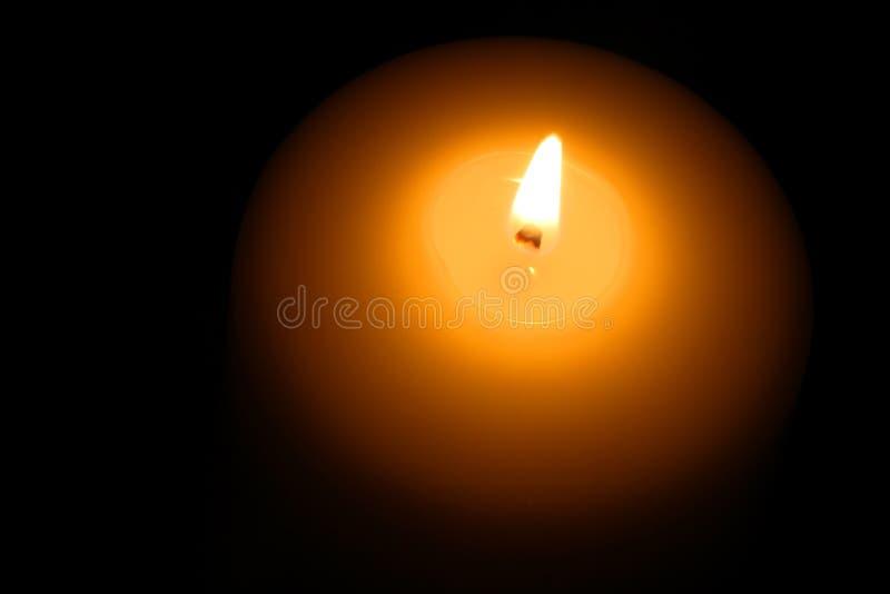Primo piano della fiamma di candela immagini stock libere da diritti