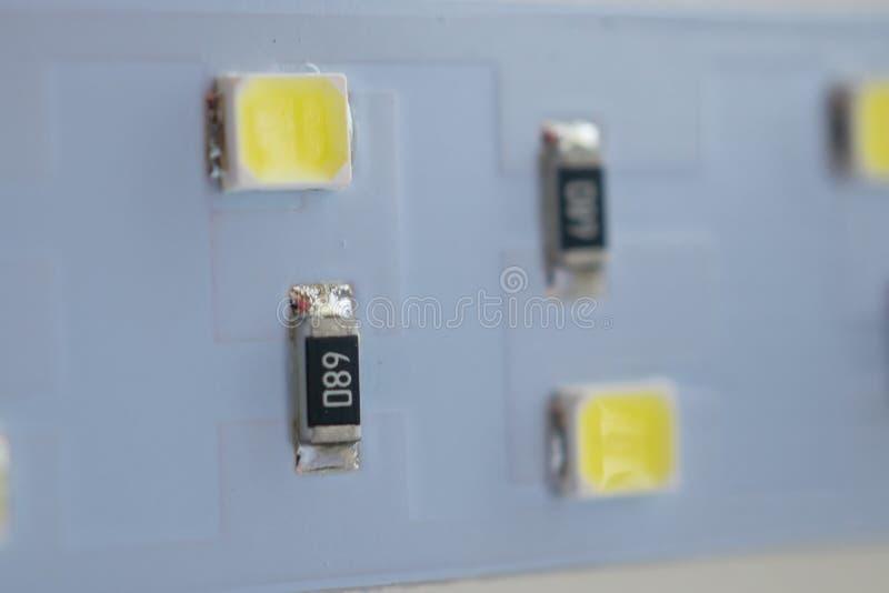 Primo piano della striscia della luce del LED componenti elettronici ed attrezzature immagine stock