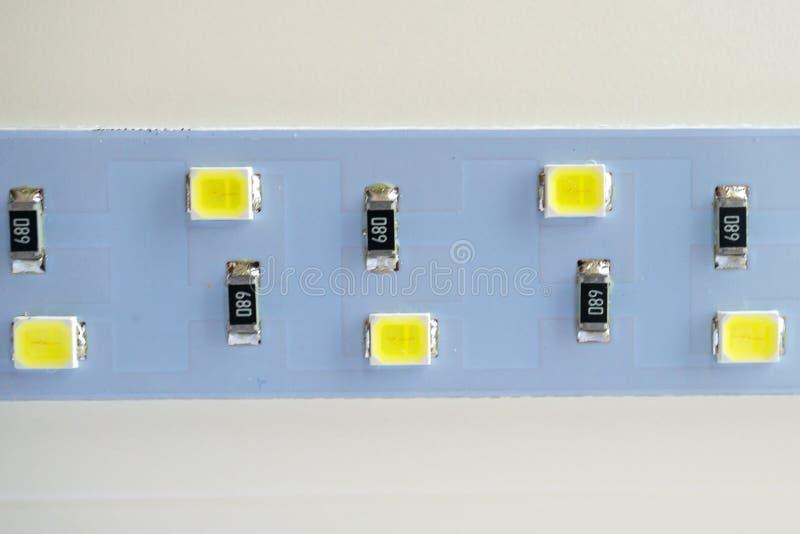 Primo piano della striscia della luce del LED componenti elettronici ed attrezzature fotografia stock libera da diritti