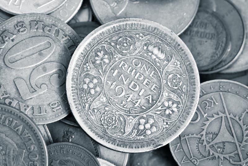 Primo piano delle monete numismatiche antiche immagine stock libera da diritti