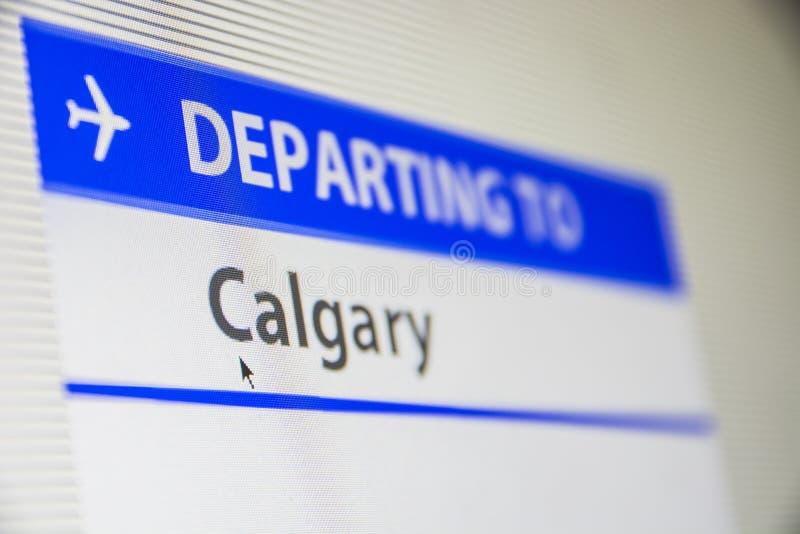 Primo piano dello schermo di computer del volo a Calgary, Canada immagine stock libera da diritti