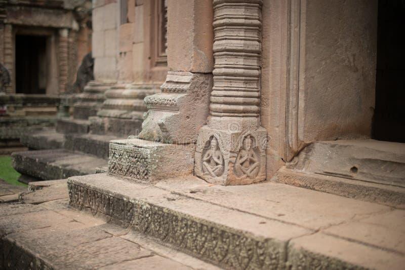 Primo piano dello scultore nella storia di Wat Khao Phanom Rung Castle fotografia stock