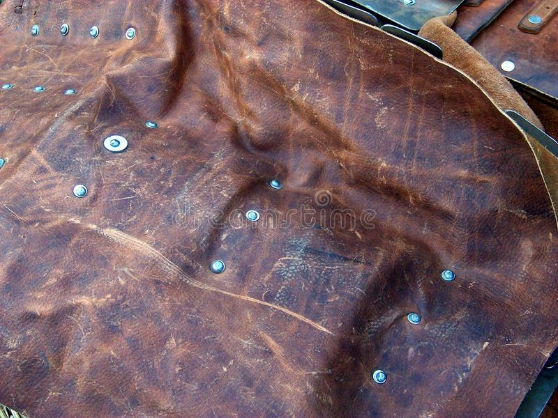 Primo piano di cuoio medievale del cappotto fotografia stock libera da diritti