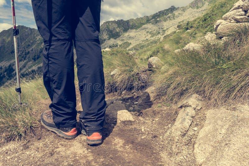 Primo piano di escursione degli stivali fotografie stock