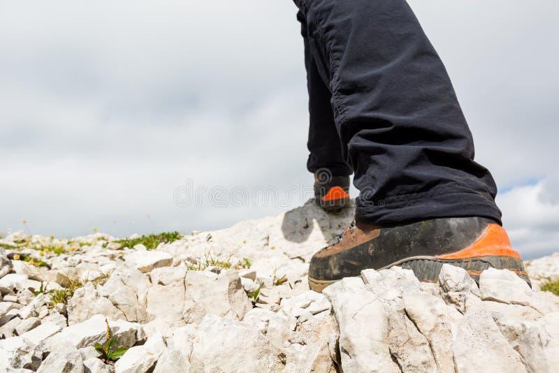 Primo piano di escursione degli stivali immagini stock libere da diritti