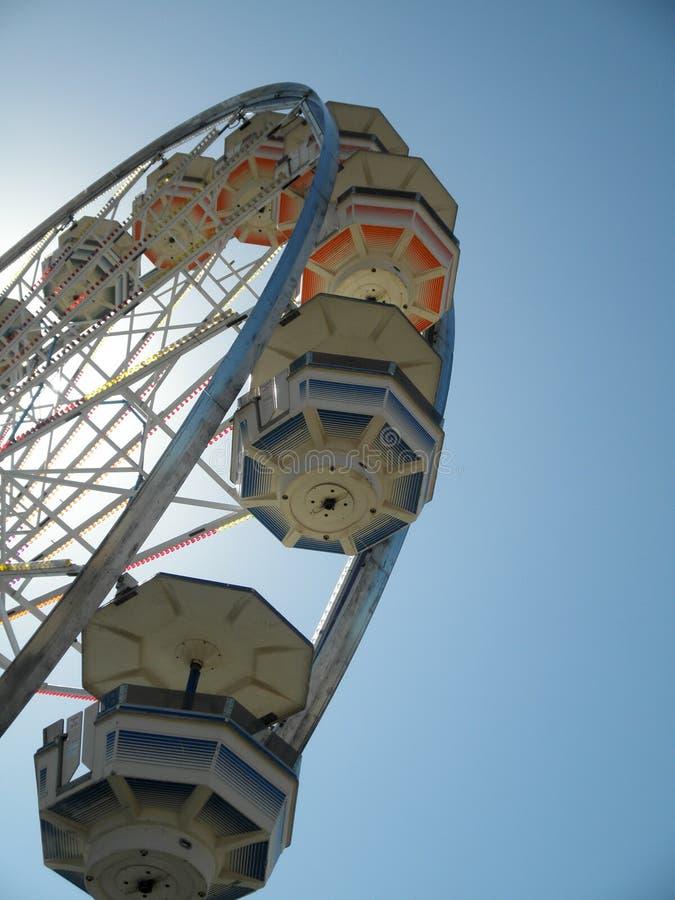 Primo piano di Ferris Wheel Carts alla fiera immagine stock libera da diritti