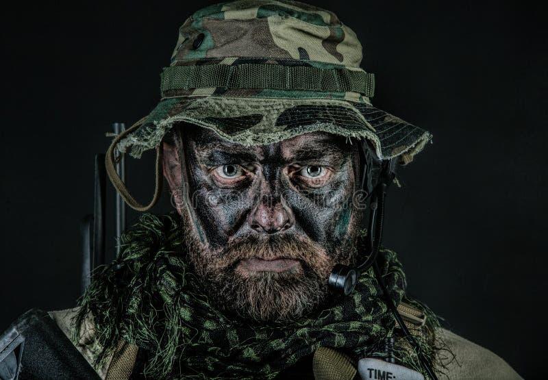 Primo piano di guerra della giungla fotografie stock libere da diritti
