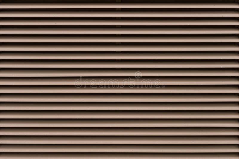 Primo piano di legno degli otturatori Uso di maggio come fondo immagini stock