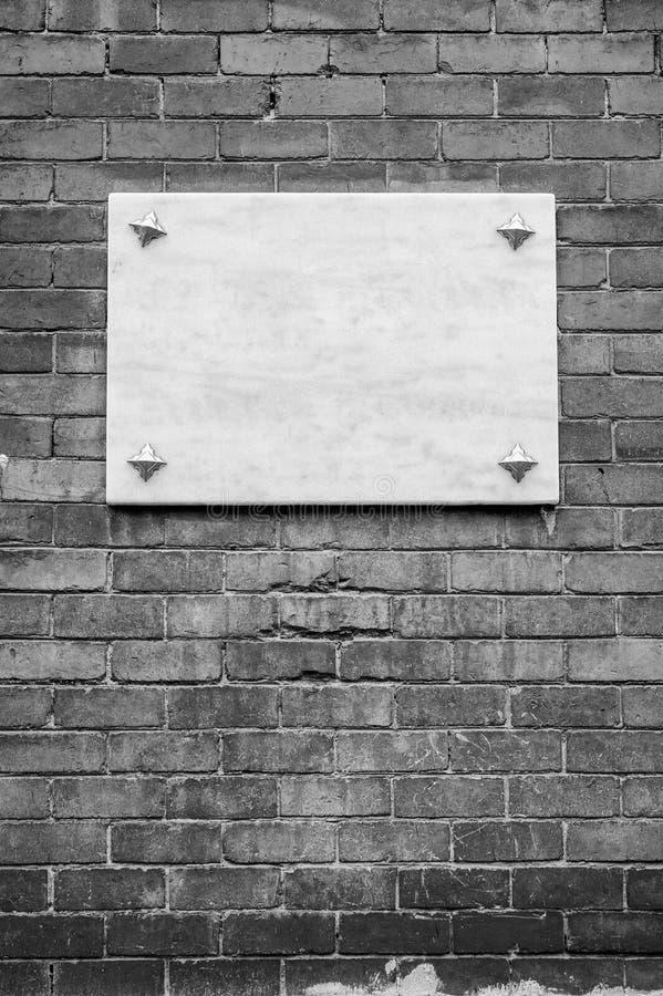 Primo piano di marmo in bianco dell'insegna fotografie stock libere da diritti