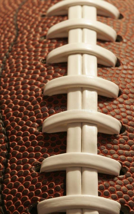 Primo piano di un football americano fotografie stock libere da diritti